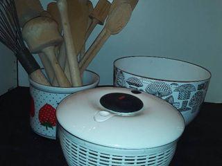 Wooden Utensils  mixing bowl  Salad Spinner
