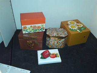 Retro Recipe Boxes and Recipe Holders
