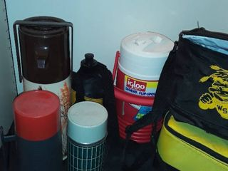 THERMOS  IGlOO  and 2 lunch Bags