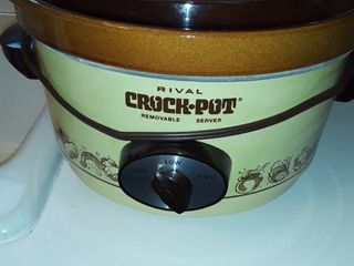 RIVAl CROCK POT  with removable server