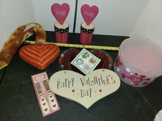VAlENTINES DAY DECOR  PEGGY KARR GlASS  and other Miscellaneous