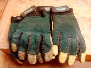 Scotts brand work gloves lot of 2 pair
