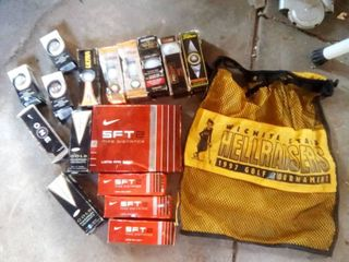 WSU golf bag and golf balls  new in box