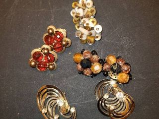 4 pairs of clip on earrings