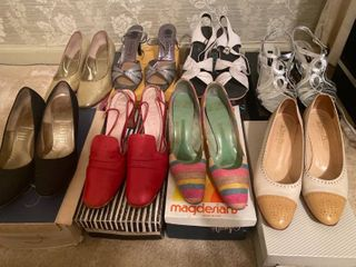 8 pairs of heeled dress shoes