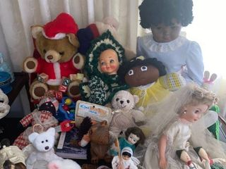 lot of dolls   table not included