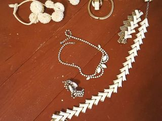 Assorted jewelry ensembles