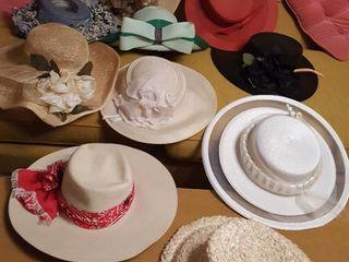 Assorted women s hats