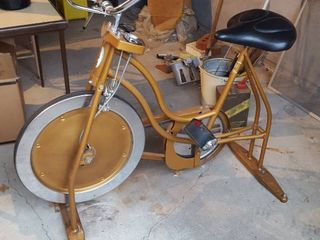 Schwinn XR7 exercise bike w  Book Rack