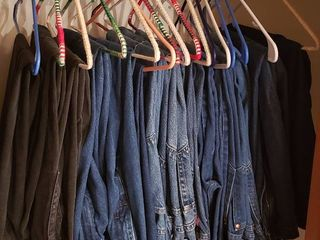 16 Pair of Jeans  mainly 30 x 30 in    2 pair are Insulated  32 x 30 in    3 pair are black   Brands  Wrangler   levi