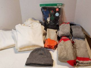 Men s Size M Insulated Underwear  3 shirt  5 Pants  Pkg  of 5 Black M Pocket Tees  7 Pair of Socks  1 pr  battery heated  and Gray Stocking Cap