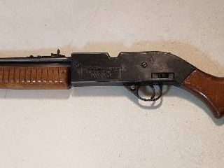 Crosman Power Master 760 BB Repeater   177 Pellet Gun   35 5 in  long   Brown Wood Stock  rough