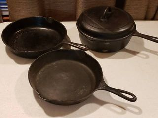 Griswold  8    9 Skillets and  8 Deep Side Pan w lid