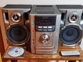 Sony Mini Hi fi Component System MHC EC50  3 Disc CD  Cassette Player Tuner and Remote   works and Philips laser lens Cleaner Disc