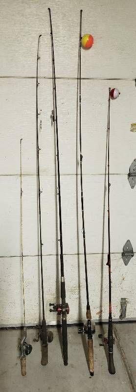 5 Fishing Poles w Reels
