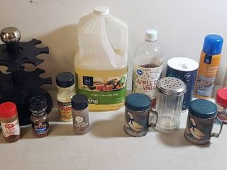 Cooking Products  Oils  Vinegar and Spices w Shakers and Rack
