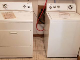Whirlpool Washer   Dryer Set   Washer  27 x 25  5 x 42 5 in  tall and Dryer  29 x 28 x 42 5 in  tall  Both WORK as they should