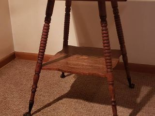 Antique Spindle leg Claw Feet Oak Side Table   24 x 24 x 29 in  tall