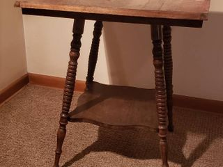 Project Antique Spindle leg Side Table   24 x 24 x 29 in  tall   need redone