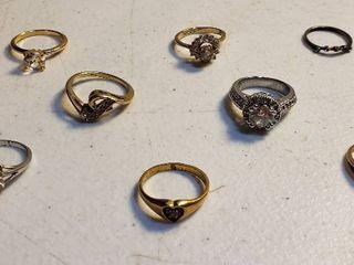8 ladies Costume Jewelry Rings   various sizes