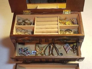 2 Drawer Jewelry Box w Costume Jewelry  Necklaces  Bracelets  Brooches  Pins  and Earrings