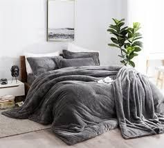 B cozy coma inducer gray thick comforter