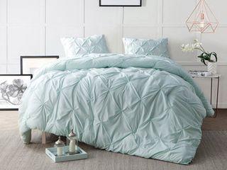 Queen   Microfiber  BYB Hint of Mint Pin Tuck Comforter Set  Retail 92 73