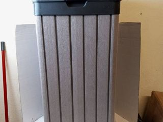 Keter woodgrain trash can with lid