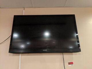 Sony Bravia Tv With Remote  Buyer Responsible For Removal