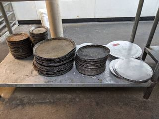 Assorted Sized Pizza Pans