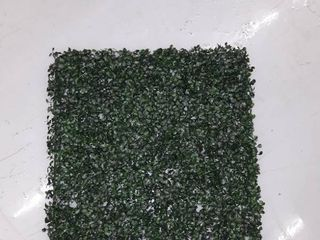 20 x 20  12 Piece Artificial Plant Hedge Mat Screen  Two Boxes