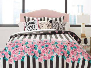 Full   Queen   Romantic Roses  Retail 93 99