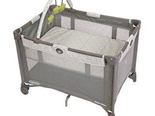 Graco Pack an Play On the Go Playard with Bassinet   Pasadena  RETAIl  89 99