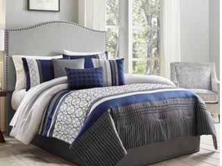 Wayne 7 pc King Comforter Set  Retail 107 99