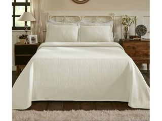 Superior Jacquard Matelasse Fleur de lis Bedspread Set