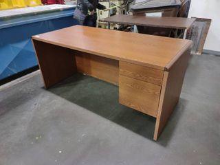 2 Drawer Desk  Approx  30  l x 66  W x 30  H