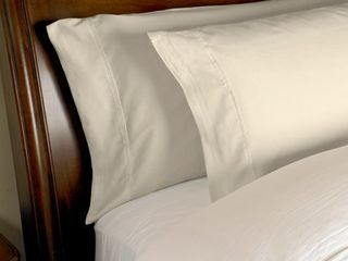 King   Ivory  Kotter Home 1000 Thread Count Egyptian Cotton Pillowcase Set 2 piece