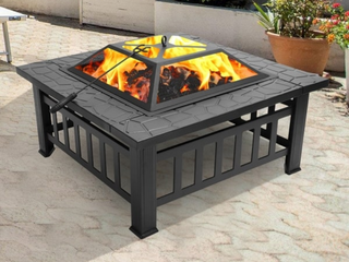 32 inch Metal Portable Courtyard Fire Pit with Accessories  Retail 124 99