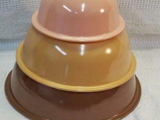 Set Of 3 Pyrex Mixing Bowls