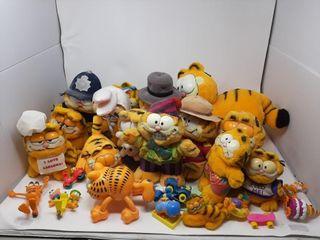 Garfield Plush lot
