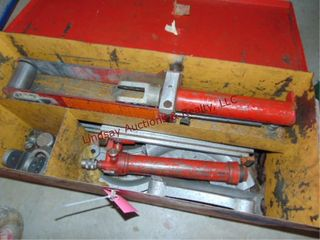 Pipe bender in box  MAY NOT BE COMPlETE
