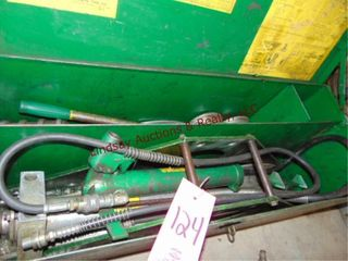 Greenlee Pipe bender in box  MAY NOT BE COMPlETE