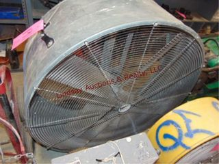 Maxx Air floor fan 42