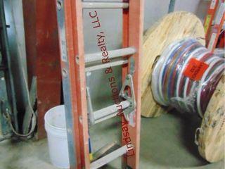 louisville 16  fiberglass ext ladder 300lb cap