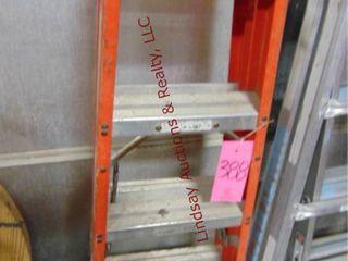 louisville 4  fiberglass dbl sided step ladder