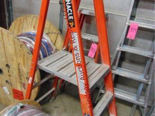 louisville 3  fiberglass step ladder 300lb cap