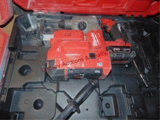 Milwaukee M18 Fuel 18V rotary hammer vac 1  w