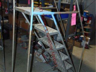 Rolling stock ladder 6