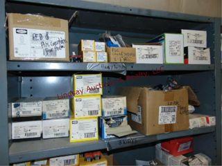 CONTENTS on shelf  3 pole 3 wire angle plugs