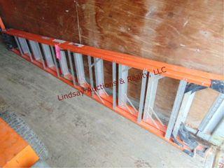 Werner fiberglass 10  ladder 300lb cap